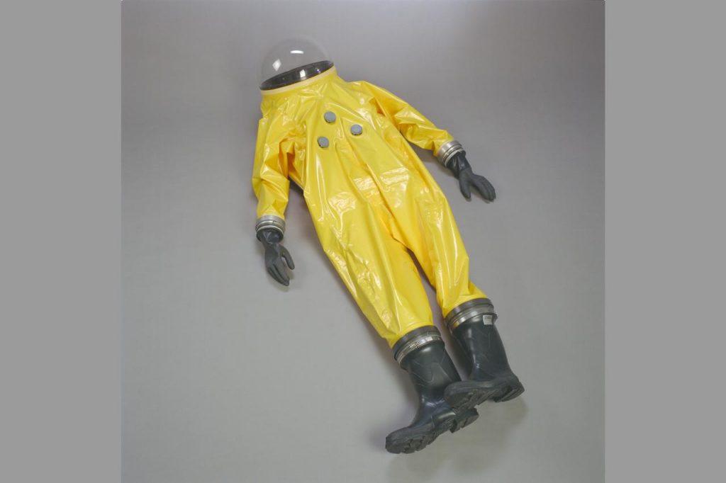 hazmat suit against covid19